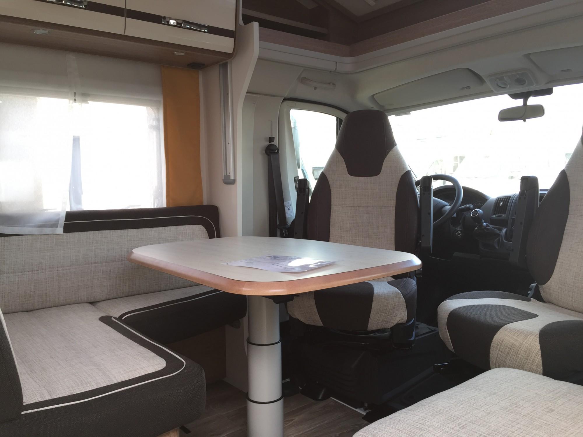 investir dans un campingcar avec SALON 5 PLACES, proche Barentin 76