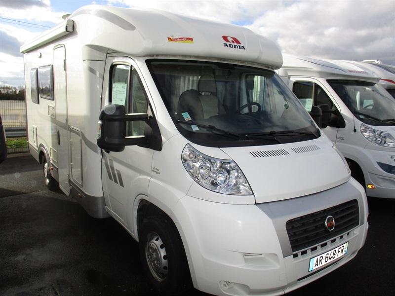 vente de camping car de luxe boos 76520 rouen caravane service jousse. Black Bedroom Furniture Sets. Home Design Ideas