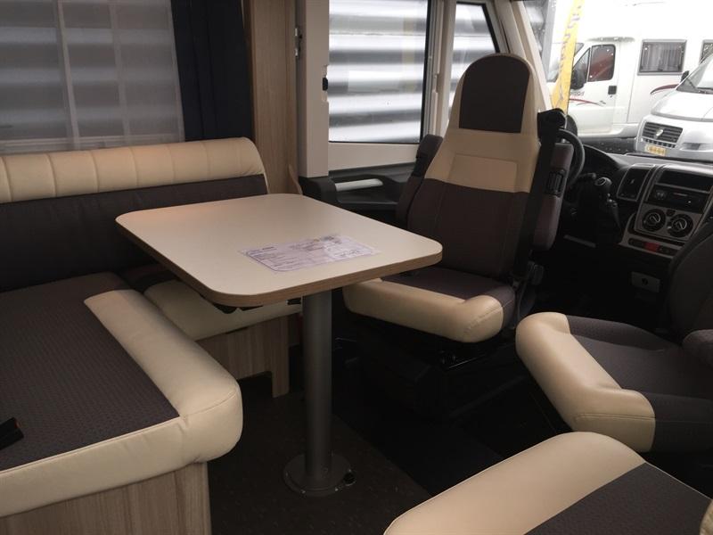 VENDS CAMPING CAR INTEGRAL ADRIA AXESS I600 Rouen-St Jean du Cardonnay 76